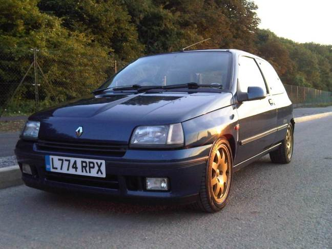 reviewed renault clio williams apsley cars. Black Bedroom Furniture Sets. Home Design Ideas